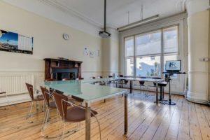 Salle de classe à Brighton séjour en immersion