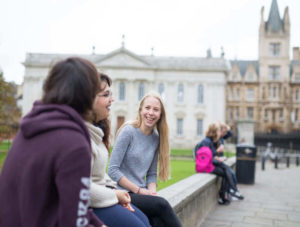 Immersion jeune en campus à Cambridge